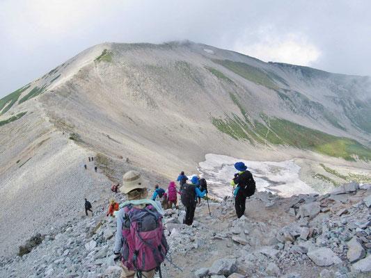 9/13 真砂岳に向かいます。右手内蔵助氷河