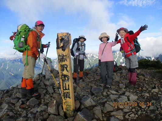 6時35分,赤沢岳山頂(2,677.8m)に到着