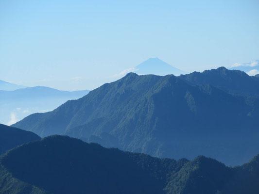 雄山山頂から富士山アップ