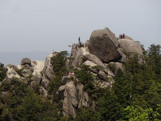 これが天狗岩のてっぺんです