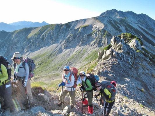 9/14 別山への登りにて 後ろは真砂岳、立山三山