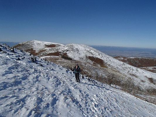 経塚山から最高地点へ