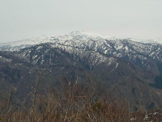 鷲走ケ岳山頂より白山