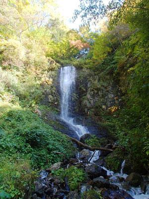 07五銚子の滝は5段ぐらいに分かれた大きく美しい滝です