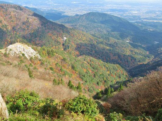 三重県側の山々の紅葉