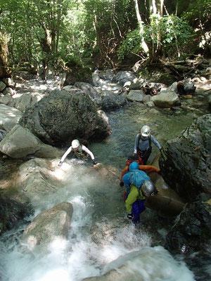 淵と小滝の連続です