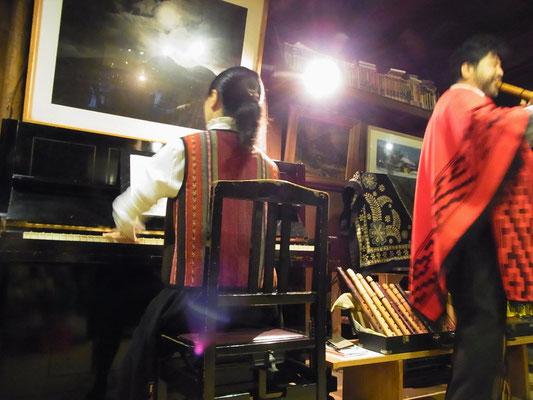 ケーナ奏者 長岡竜介氏のケーナ演奏を聴く
