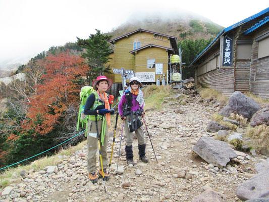 夏沢峠です。硫黄岳方面はガスってます