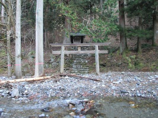 茨川の神社
