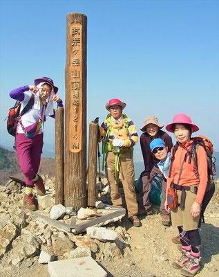 15:25 8座目,武奈ケ岳(1,214.4m)到着やった~。