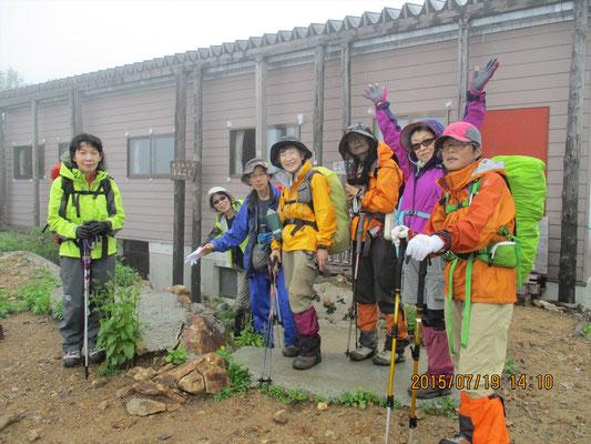 午後2時過ぎ、今日のお宿「新越山荘」に到着。1日目終了