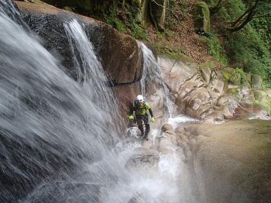 泡滝 昨年より水が少ない