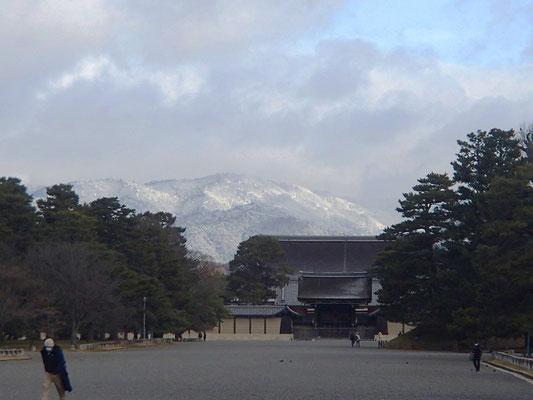 堺町御門から北山の雪景色