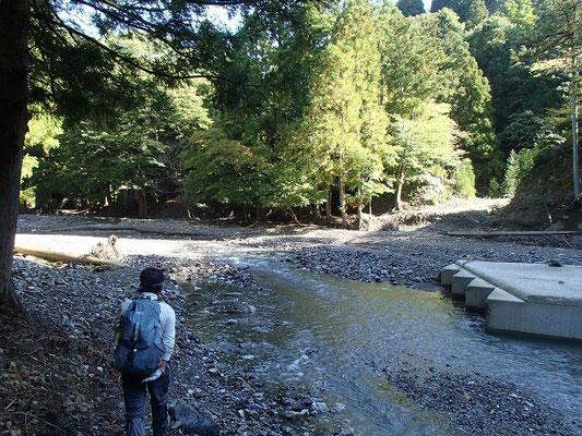 のこり4kmを歩いて茨川に着きました