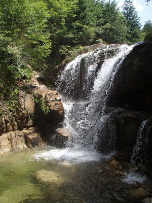裏見の滝(全景)