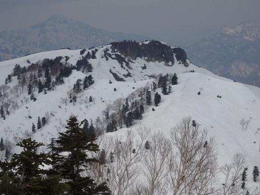 三方岩岳アップ