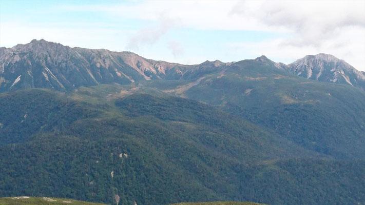 左から水晶岳、鷲羽岳、三俣蓮華岳