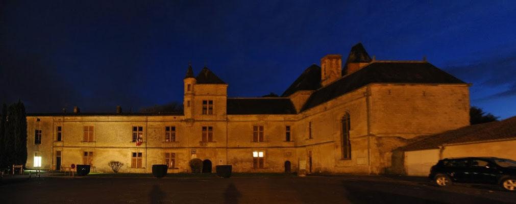 Le château de Coulonges, lieu de l'exposition.