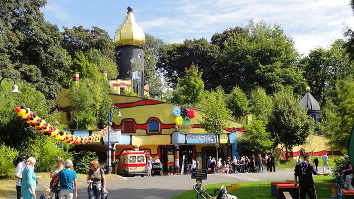 McDonald Haus der McDonald`s Kinderhilfe_D_Essen Grugapark
