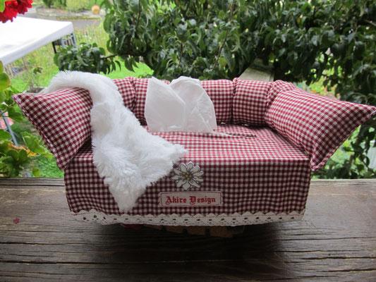 Kleenex-Sofa Landhausstil, mit Decke, Stck. Fr. 39.-