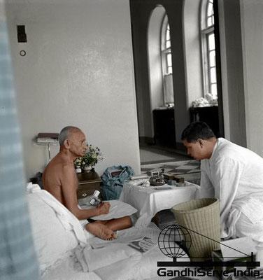55 - Mahatma Gandhi (Ghandi) - Copyright: GandhiServe India - www.gandhiserveindia.org