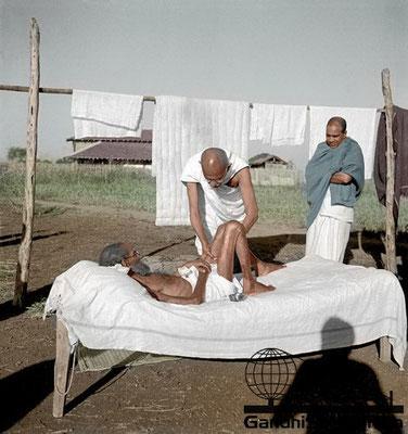44 - Mahatma Gandhi (Ghandi) - Copyright: GandhiServe India - www.gandhiserveindia.org