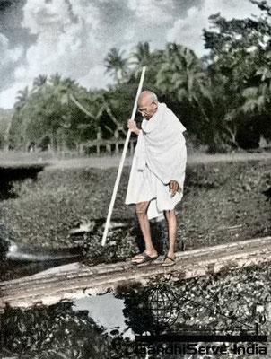 85 - Mahatma Gandhi (Ghandi) - Copyright: GandhiServe India - www.gandhiserveindia.org