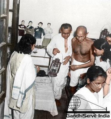 59 - Mahatma Gandhi (Ghandi) - Copyright: GandhiServe India - www.gandhiserveindia.org