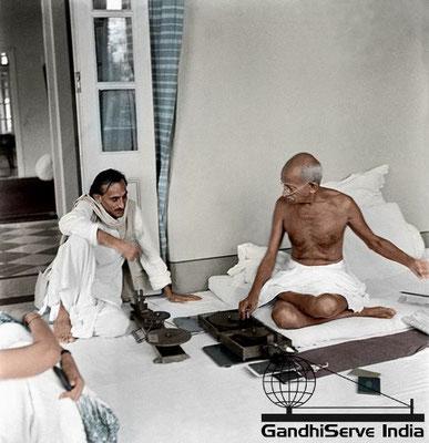 65 - Mahatma Gandhi (Ghandi) - Copyright: GandhiServe India - www.gandhiserveindia.org