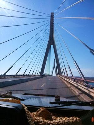 über dem Rio Guadiana auf der Brücke, die Portugal und Spanien verbindet