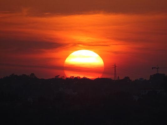 ein romantischer Sonnenuntergang im Vale de Pera