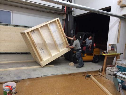 Dachaufbau für Kaffeeportioniermaschine TRANSPORTFERTIG MACHEN