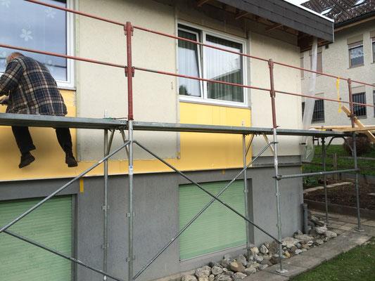 Neue Fassade mit Isolierung IN ARBEIT