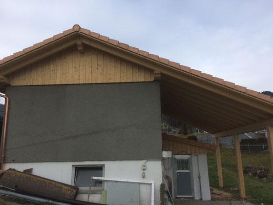 Neuer Dachstock für bestehenden Stall WÄHREND DER ARBEIT