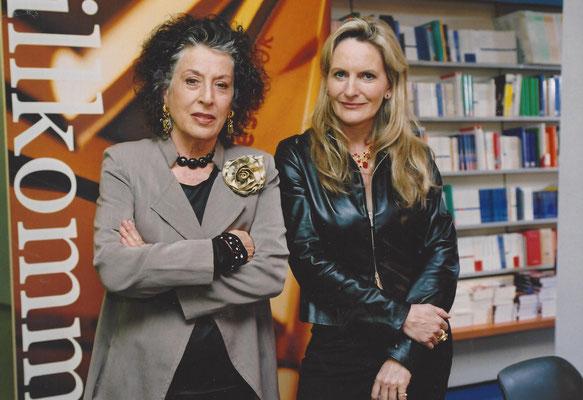 """Zwei Jahre lang (2002 - 2004) moderierten Lea Rosh und ich die Literatursendung """"Willkommen im Club"""" mit jeweils vier prominenten Gästen."""
