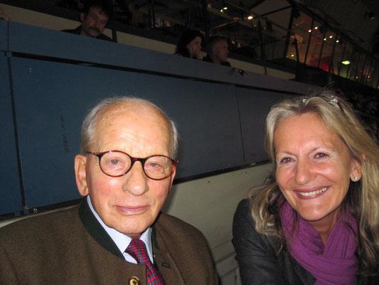 Eine Ehre für mich - Heinz Günther Winkler - seine Stute Halla hat ihn bei der Olympiade 1956 verletzt im Sattel zum Sieg getragen.