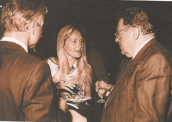 Keine Angst vor großen Tieren: Ich war wohl 23 Jahre alt, als ich Franz-Josef Strauß für mein Pressebüro interviewt habe. Das war ein Kassen-Schlager .-)