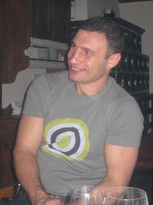 Die Klitschko-Brüder sind Freunde von Werner und Cathrin Baldessarini und deshalb oft privat dabei.