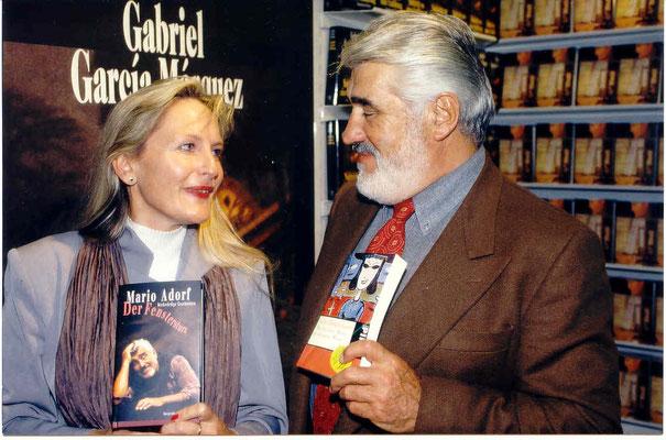 Büchertausch 1996 auf der Frankfurter buchmesse - seither haben wir uns oft wieder gesehen.