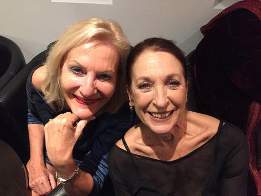 """Zufällig bei einer Musical-Premiere 2019 in Stuttgart getroffen - Daniela Ziegler spielte bei """"Hengstparade"""" mit."""