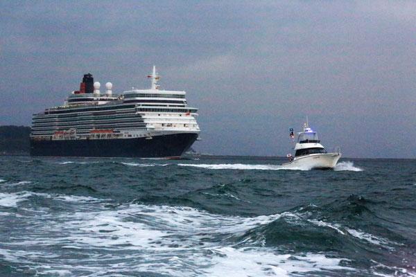 注意が必要な場合の退避要請や本船への情報提供