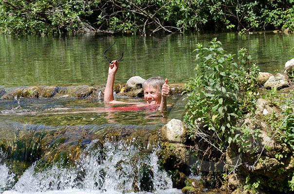 im Fluss Anapo in den Necropoli di Pantalica
