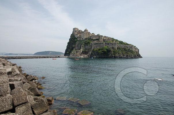 130424_RAW2336 Blick auf das Castello Aragonese