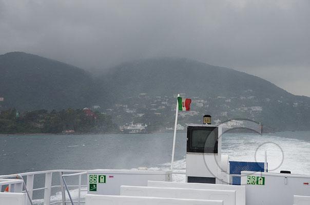 130427_RAW2621 Abfahrt mit Blick auf Ischia und Monte Epomeo