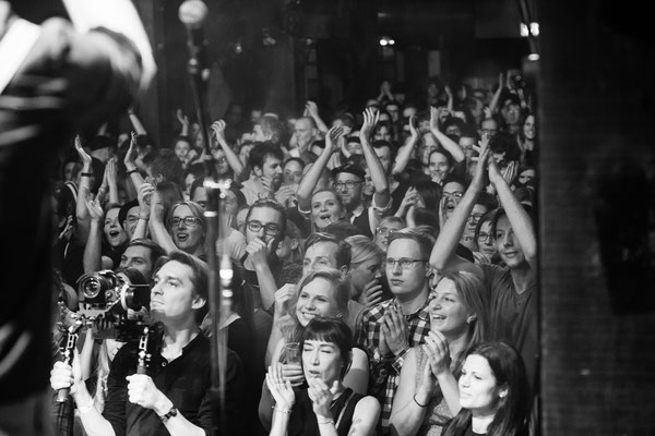 An der Kamera: Stephan Trümper - Gadjo Radio Release, Fabrik - Foto: Mathias Hainke