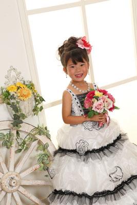 5歳 女の子 記念撮影 ドレス写真 フォトスタジオ