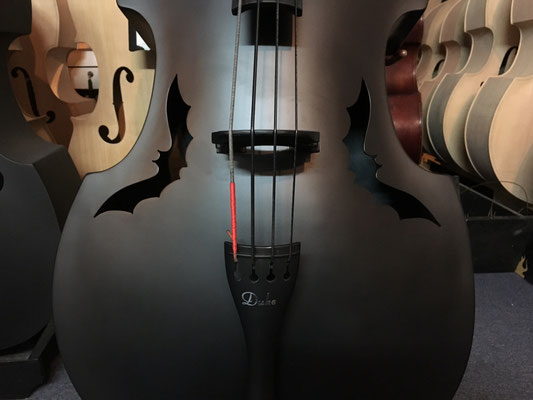 Duke Composite mit Fledermaus F-Löchern