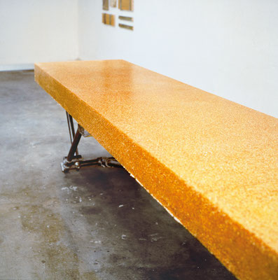Linne's Table | 1992/ 93 | corn | polyester resin | metal framework | 32.7 x 157.5 x  28.7 in. | 83 x 400 x 73 cm