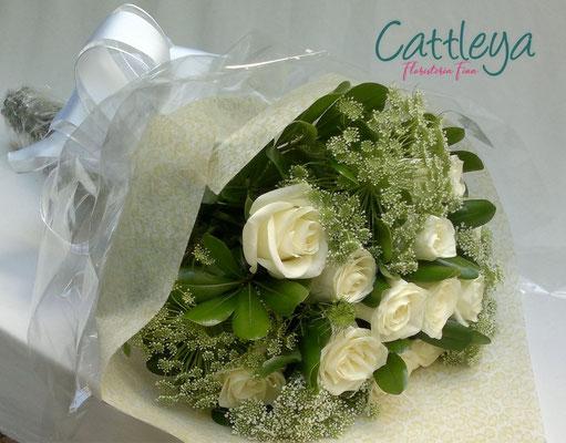 RR#21 $696.- [12 rosas blancas]