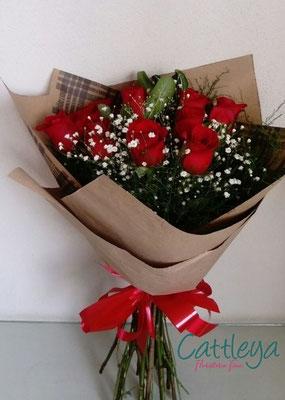 RR#19  $580.-  [12 rosas color]